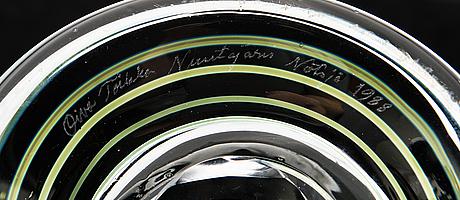 Oiva toikka, a vase signed oiva toikka nuutajärvi notsjö 1988