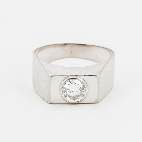 18k white gold and 0,59 ct brilliant cut diamond ring
