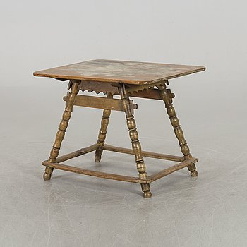 A WOODEN TABLE, 19/20th century.