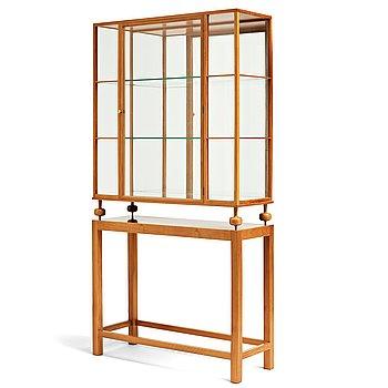313. Josef Frank, a mahogany showcase cabinet, Svenskt Tenn, model nr 2077.