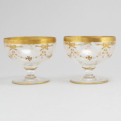 Eight large glass bowls, 20th century.