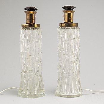 BORDSLAMPOR, ett par, glas, AB Stilarmatur tranås, 1900-talets andra hälft.