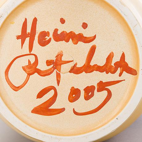 """Heini riitahuhta, vas, porslin, """"ruby flower"""", signerad heini riitahuhta 2005."""