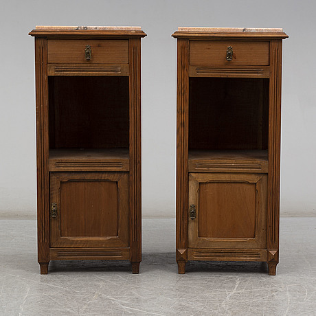 SÄngbord, ett par, omkring år 1900