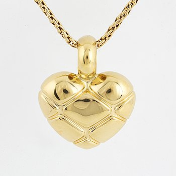 18K gold Heart pendant, with chain.