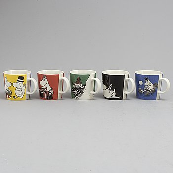 Five porcelain Moomin Characters mugs from Arabia, Finland.
