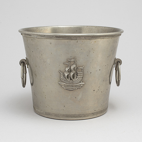 Ice bucket/champagne cooler, pewter, cg hallberg, 1933.