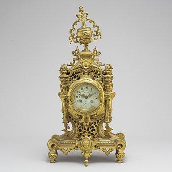 BORDSPENDYL, Louis XVI-stil, tidigt 1900-tal.