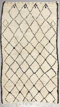 A CARPET, Morocco, ca 326,5 x 178 cm (including a few cm flat weave at the ends).