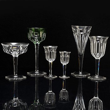 A part glass service, 20th century (89 pieces).