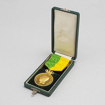 MEDALJ, 18 K. Kungliga Svenska Patriotiska Sällskapet, 18 K guld.