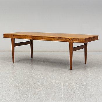 JOHANNES ANDERSEN, a teak coffee table from Trensum, 1960's.