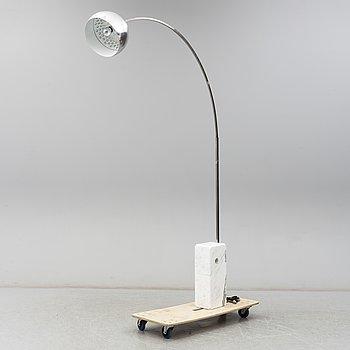 "ACHILLE OCH PIER CASTIGLIONI, golvlampa ""Arco"", Flos, Italien, formgiven 1962."