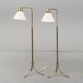 JOSEF FRANK, a pair of model 1842 floor lights, Svenskt Tenn.