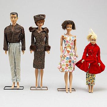 BARBIEDOCKOR, 3 st samt kläder och tillbehör, Mattel, 1960-tal.