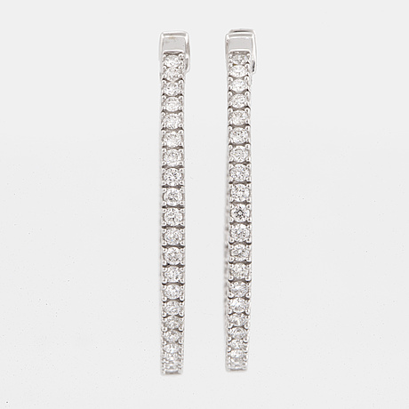 Brilliant cut diamond hoop earrings, ca 0,80 ct
