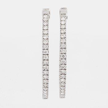 Brilliant-cut diamond hoop earrings, ca 0,80 ct.