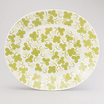 BIRGER KAIPIAINEN, A 'Clover' porcelain dish. Decoration designed in 1970.