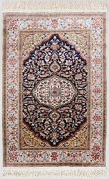 MATTA, orientalisk. Ca 150x103 cm.