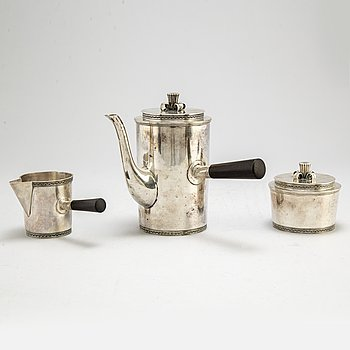 ERIC RÅSTRÖM, a three-piece silver coffee service from David Andersen & Comp AB, Stockholm, 1941.