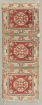 MATTA Kina antik ca 169 x 68 cm.