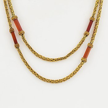 18K gold and carnelian necklace.