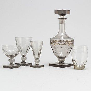 GLASSERVIS, 72 delar. 1800-tal.