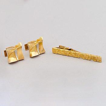 MANSCHETTKNAPPAR och SLIPSNÅL, 14K guld. Lapponia 1979-81.