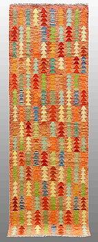 GALLERIMATTA, Kelim, ca 246 x 76 cm.