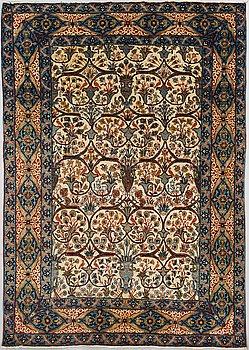 MATTA, Isfahan, antik. Ca 200x142 cm.