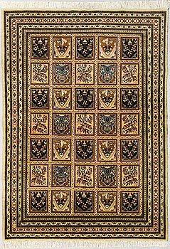 A Bakhtiari carpet, wool on cotton. 204 x 145 cm.