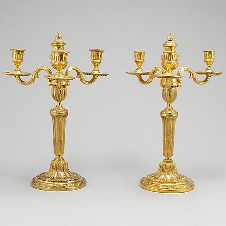 Kandelabrar, för tre ljus, ett par, frankrike, 1700-talet slut, louis xvi.