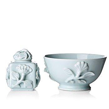 33. Wilhelm Kåge, a ceramic bowl and a teacaddy, Gustavsberg, Sweden ca 1924.