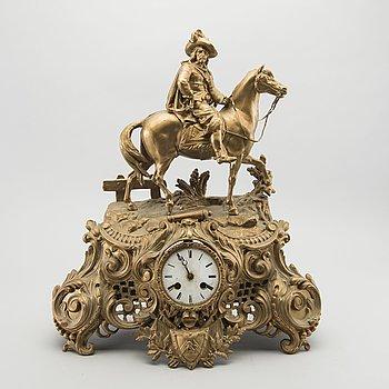 BORDSPENDYL, bronserad metall, 1800-talets senare del.