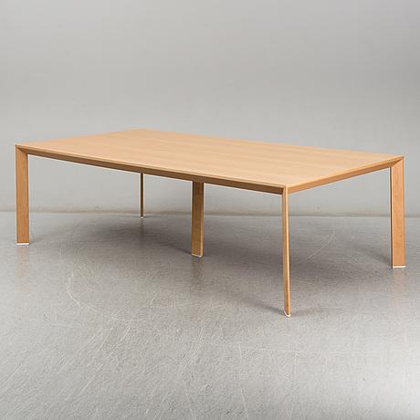 "Daniel franzÈn & mattias stÅhlbom, table, ""chamfer"", karl andersson & söner, 2016."