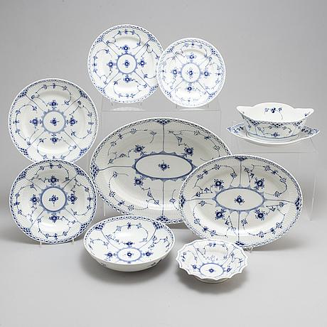 "Royal copenhagen, matservis, 53 delar, porslin, ""musselmalet"", danmark"