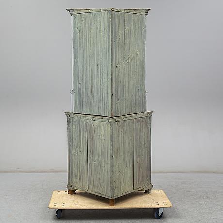 Hörnskåp, 1800-talets första hälft.