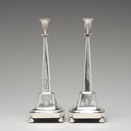 Nils tornberg, ljusstakar, ett par, silver, linköping 1797. sengustavianska.