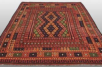 A CARPET, Kilim Afghan, ca 305 x 224 cm.