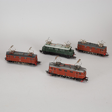 MÄrklin & fleischmann, 13 locomotives and wagons, second half of the 20th century.