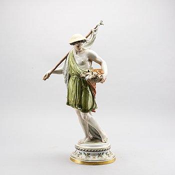 An app 1900 Hermann Hultzsch meissen figurine.