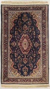 MATTA persisk semiantik, ca 306 x 199 cm.