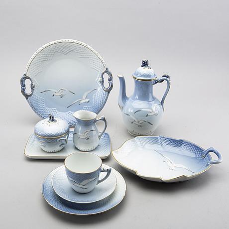 """A bing & grondhal """"måsen"""" 32 pcs porcelain coffee service"""