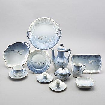 """A Bing & Grondhal """"Måsen"""" 32 pcs porcelain coffee service."""