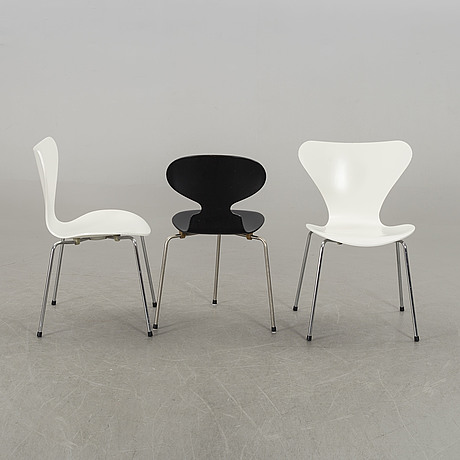 Arne jacobsen, a set of two plus one chairs.