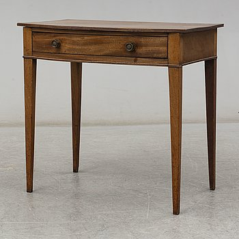An English table, 19th century.