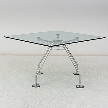 NORMAN FOSTER, a 'Nomos system' glass table.