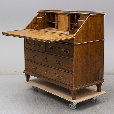An early 19th century secretaire.