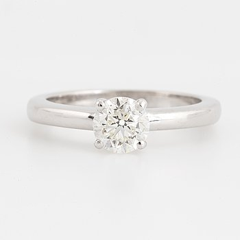 Solitaire diamonr ring 1,03 ct with GIA certificate.