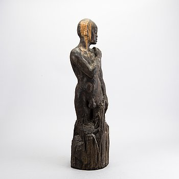 A WOODEN SCULPTURE, 20th century.